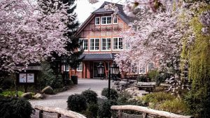 Eingangsgebaeude-Wildpark-Restaurant