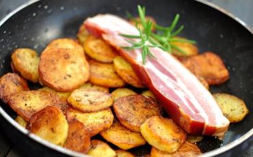 Schweinebauch mit Bratkartoffeln