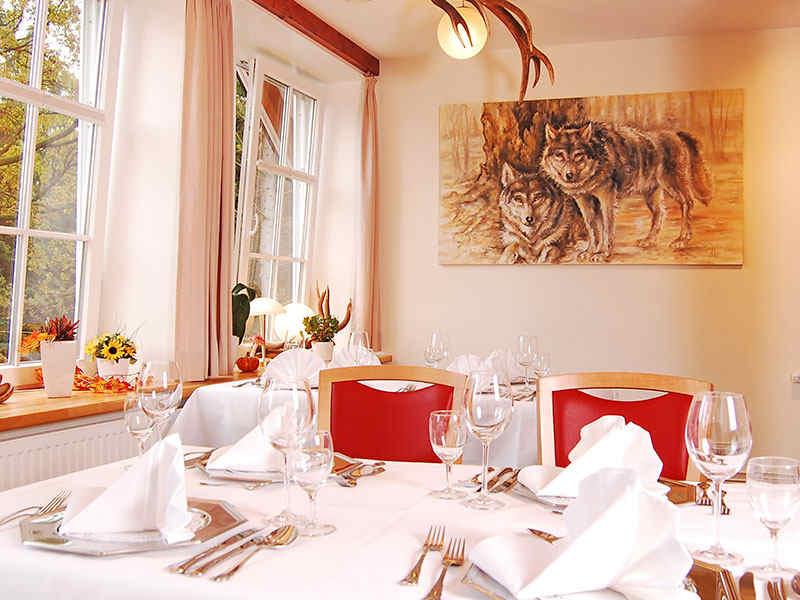 Festtafel Wolfshöhle Wildpark-Restaurant